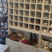 供应厦门茶具展示柜货架定做厂家是专业