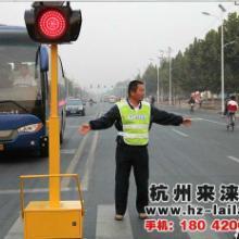 供应手摇带升降式太阳能移动红绿灯_应急交通信号灯厂家直供